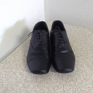 Prada Black Leather Oxford Dress Shoes